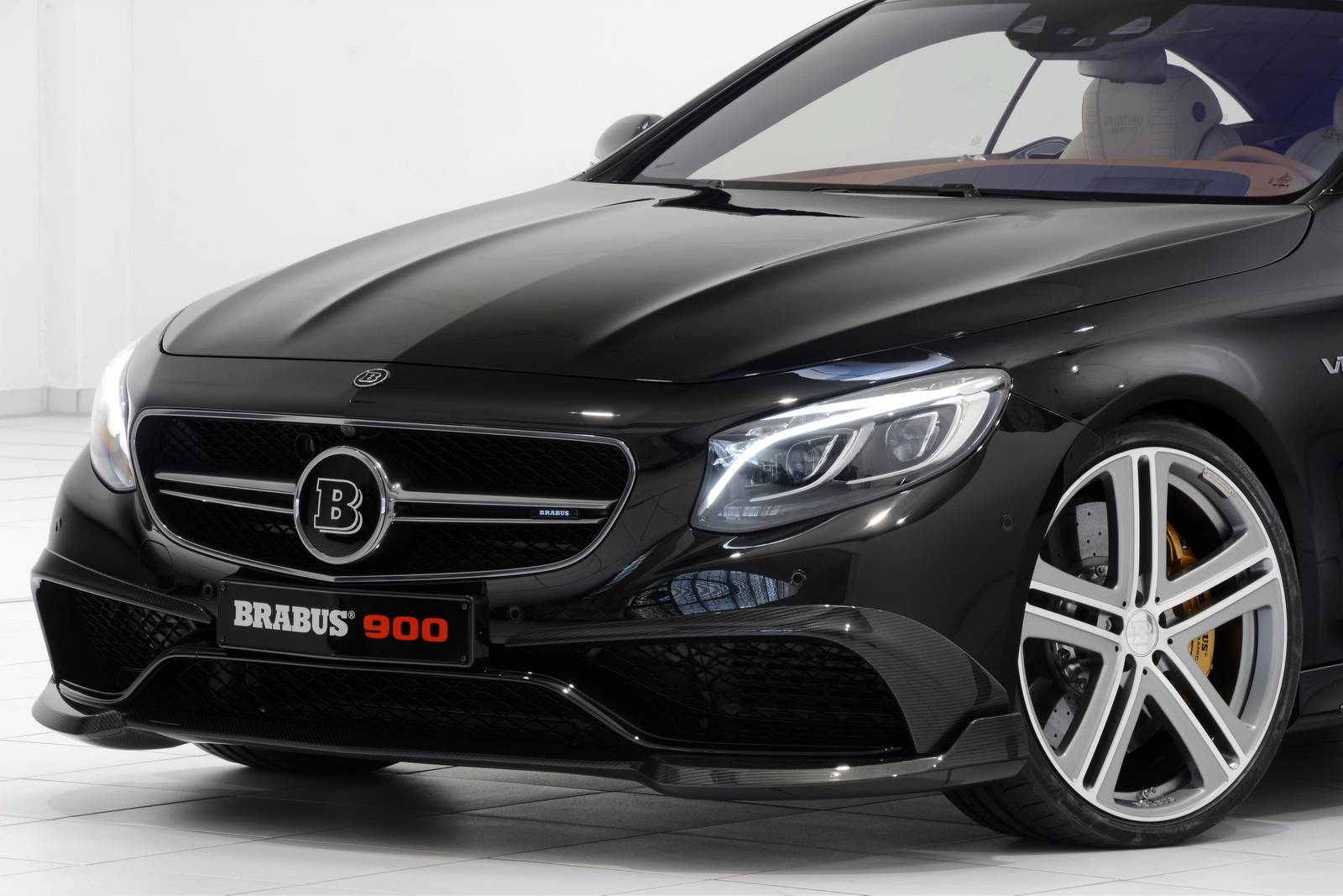 Brabus представил Mercedes Rocket 900 Coupe